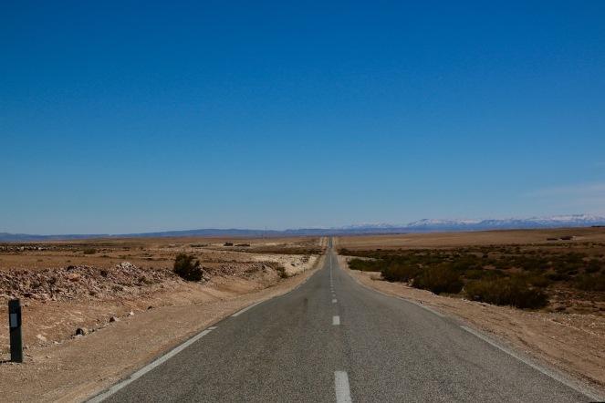 На път към Сахара в района на Миделт.