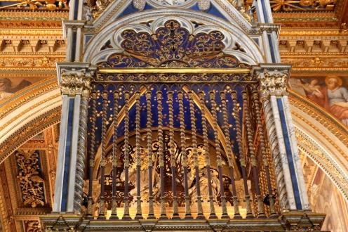 Детайл от олтара на базиликата Сан Джовани ин Латерано.