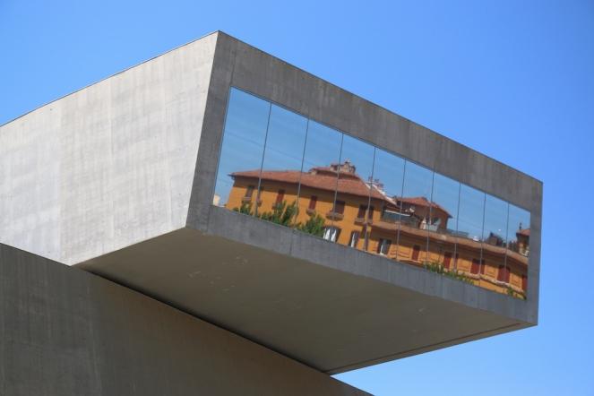 Проектът MAXXI надхвърля концепцията за сграда-музей.