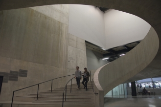 Стълбището в сграда Blavatnik на TATE Modern.