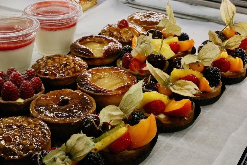 Френските сладкиши са божествени.