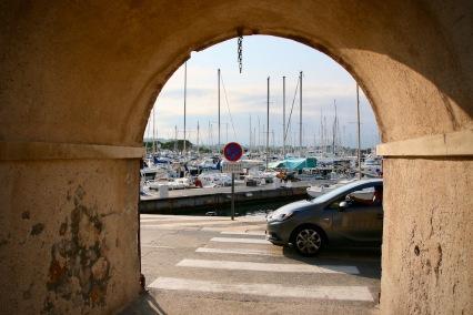 Пристанището в Антиб.