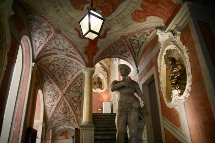 Монументалното стълбище в двореца Ласкари.