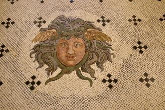Мозайката на първи етаж в музея Масена.