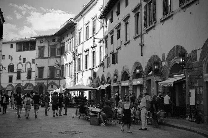 Флоренция - като кадър от стар италиански филм.