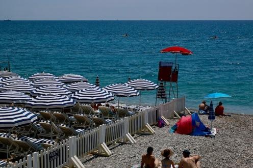 Каменистия бряг в Ница.
