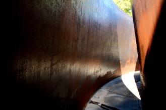 Скулптура Пресечката на Ричард Сера.