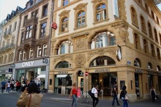Главната търговска улица Freie.