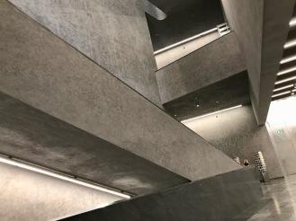 Стълбището в новата сграда на музея на изкуството.