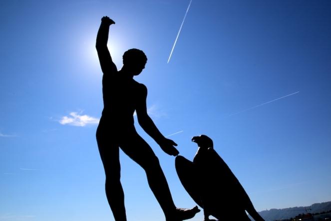 Скулптура на брега на езерото Цюрих.