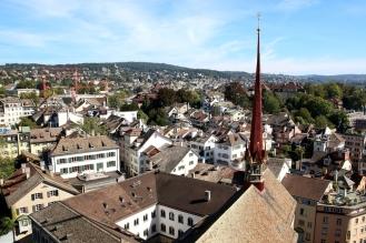 Панорамна гледка от кулата на църквата Гросмюнстер.