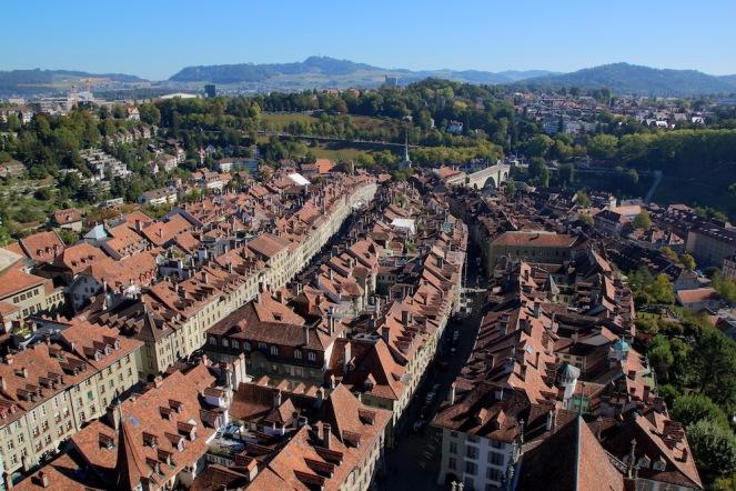 Панорамата от върха на камбанарията.