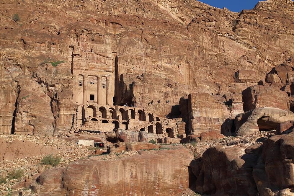 Гробницата с урни е една от царските гробници.