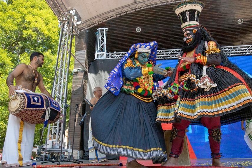 """Индийски танц """"Катакали""""."""