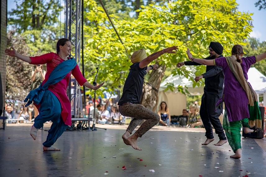 Индийски танц Панджаби.