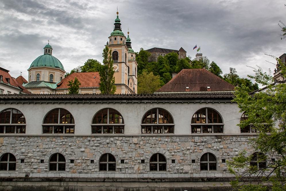 Замъкът на хълма е главната атракция на Любляна.