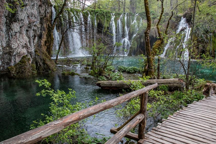 Един от малките водопади.