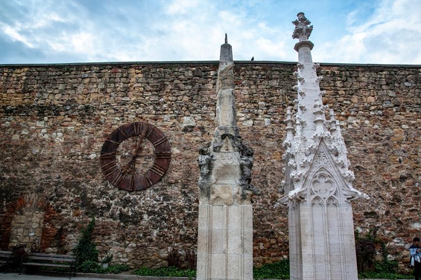 Детайли от реставрацията на катедралата на Загреб.