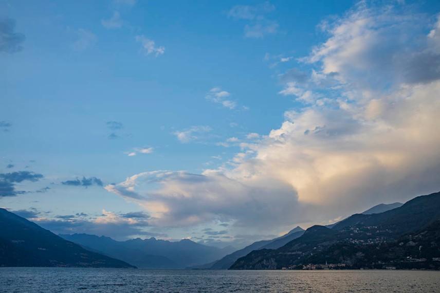 Гледката към езерото Комо от Punta Spartivento, Беладжо.