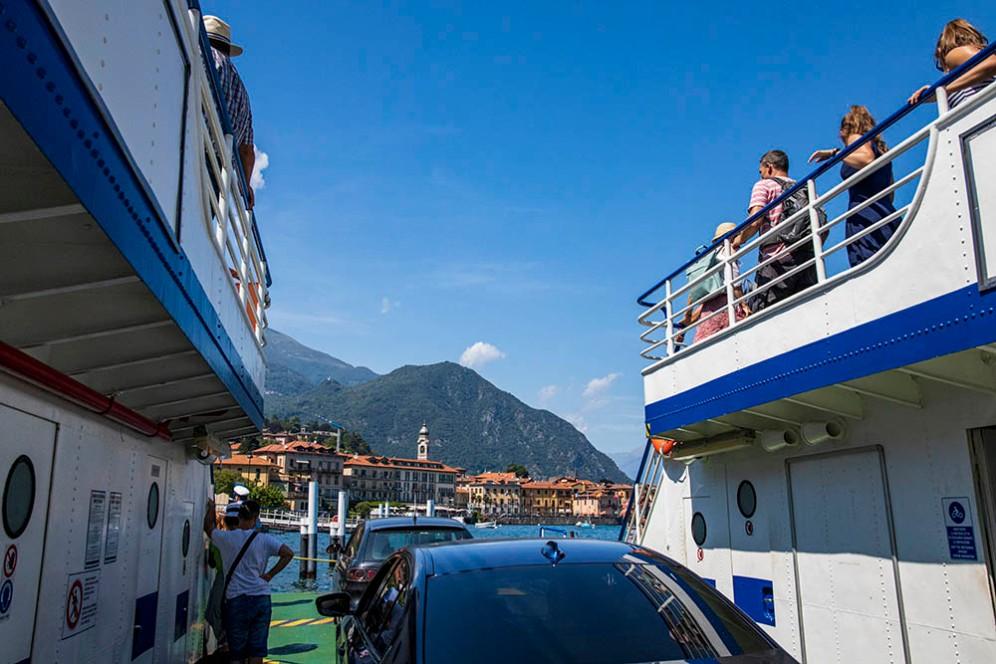 На борда на ферибота.