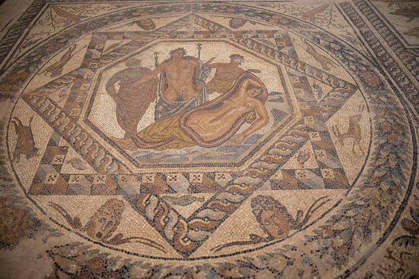 Археологическият музей в Ханя е разположен във венецианска църква на манастира Св.Франциск.