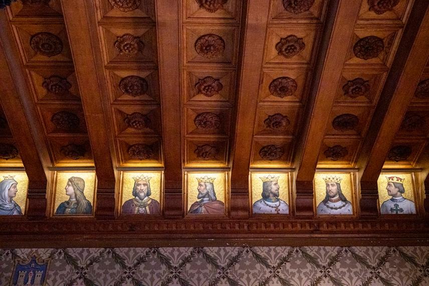 Интериорът на двореца Кинта да Регалейра.