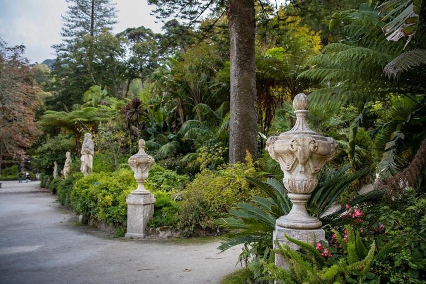 В градината на двореца Кинта да Регалейра.