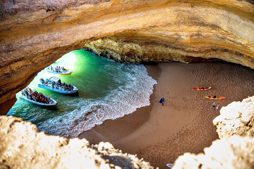 Пещерният плаж Бенагил.