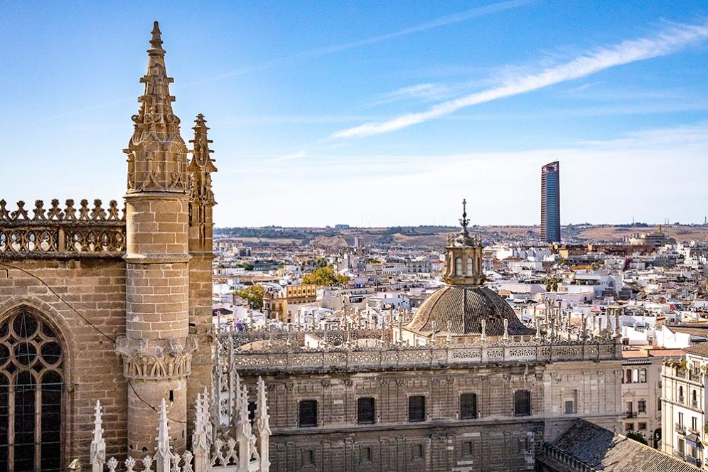 Гледката от кулата Хиралда.