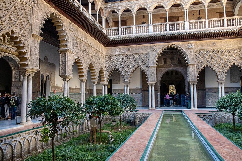 Дворът на девойките в двореца Алказар.