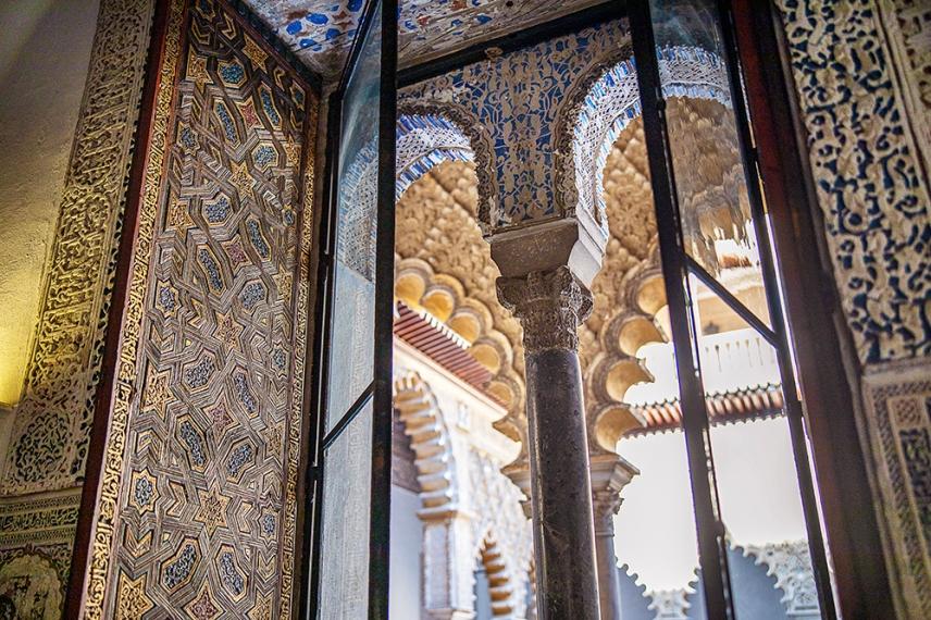 Съвършен образец на мудехарската архитектура.
