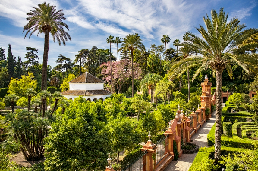 В градините на двореца Алказар.