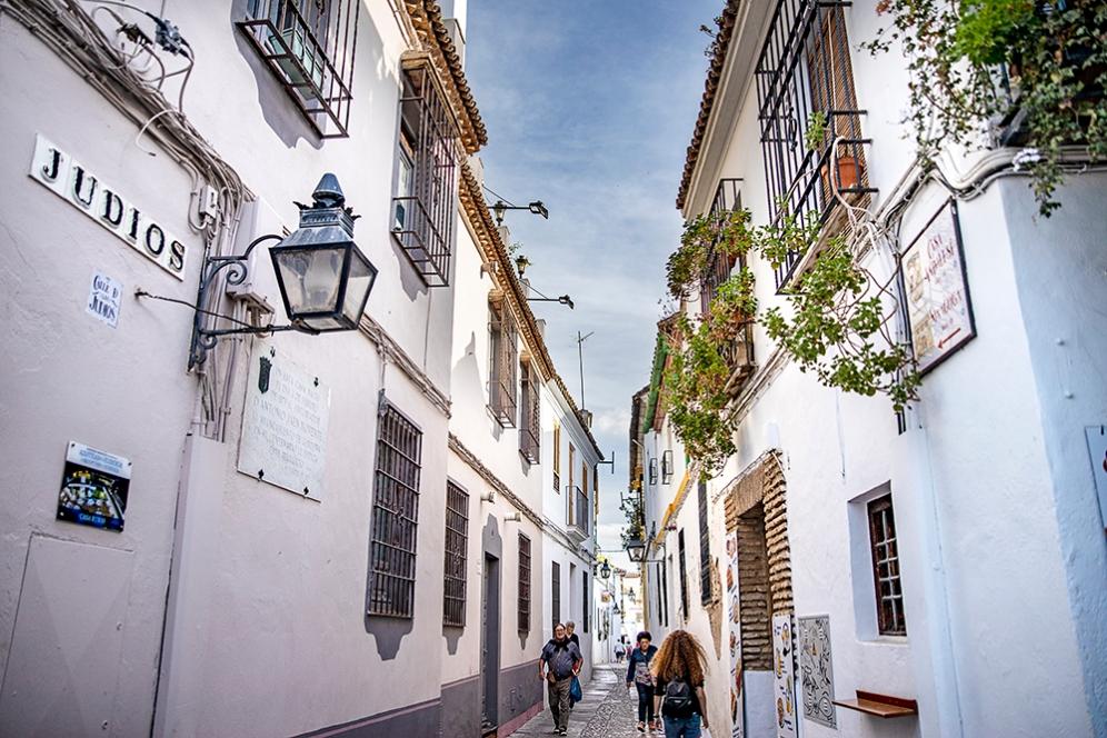 В историческият център по улиците на Кордоба.