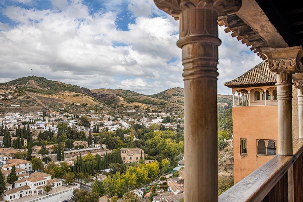 Гледката към Гранада от Алхамбра.