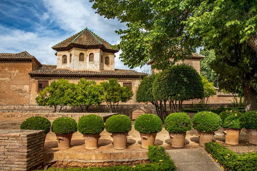 Фасадата на Двореца на лъвовете.