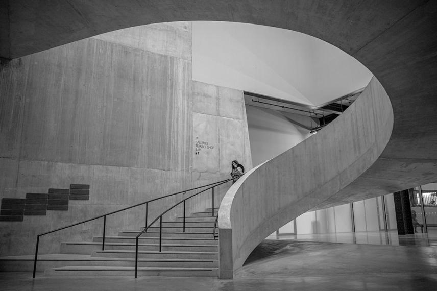 Емблематичното стълбище в сграда Блаватник в Тейт Модърн.