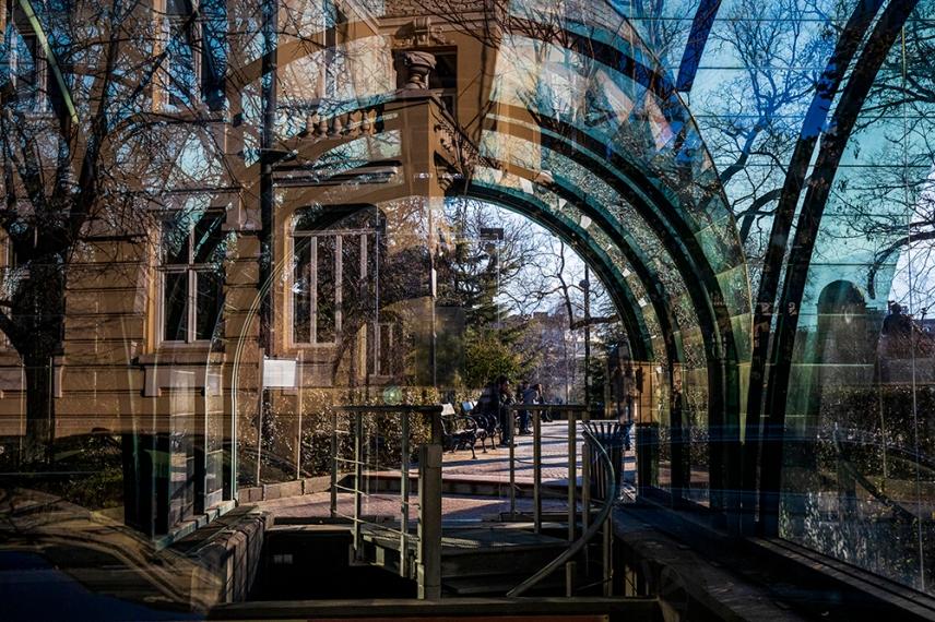Входът към Подземния музей Света София.