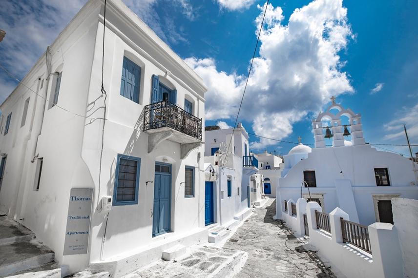 Белите къщи в Хора, харктерни за Цикладите