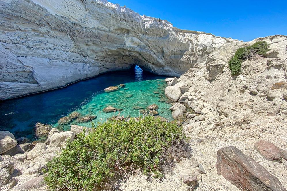 Пещерата Сикя, о.Милос
