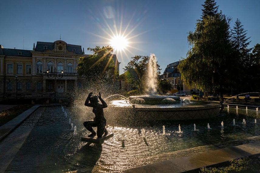 Фонтана на площад Княз Александър Батенберг.