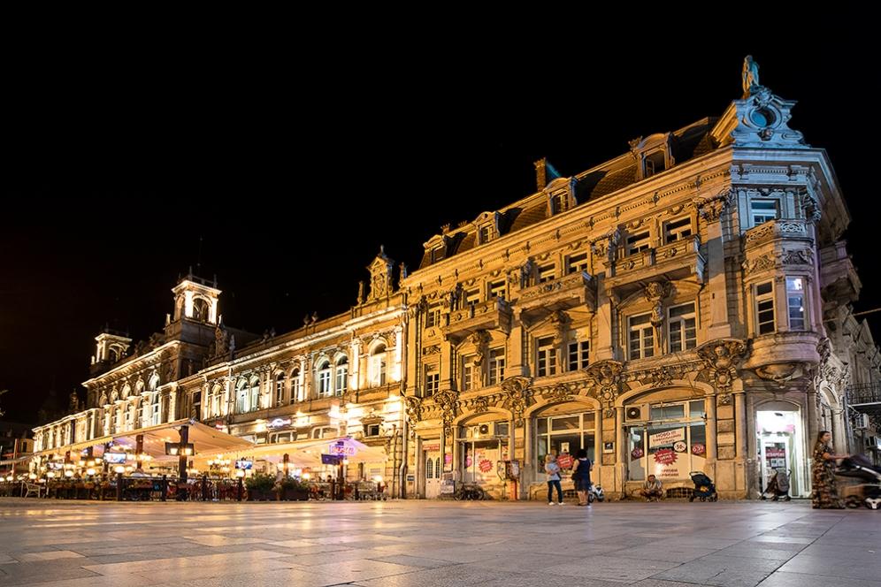 Сградата на Драматичния театър Сава Огнянов, известна още и като Доходното здание.