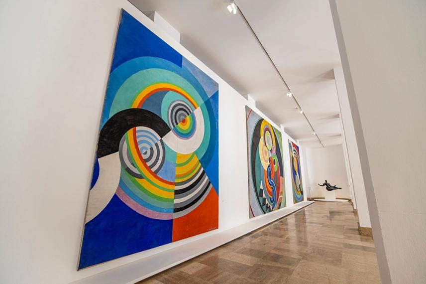 Картини на Робер и Соня Делоне в музея за модерното изкуство, Париж.
