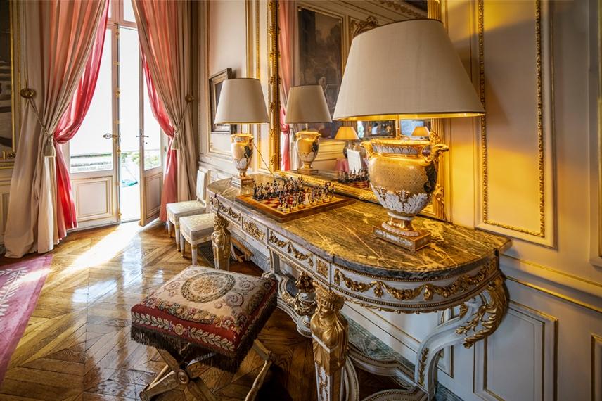 Залата на музите в двореца на почетния легион, Париж.