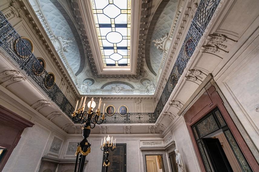 Централния вестибюл в двореца на почетния легион.